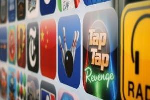 schraege sicht auf app symbole