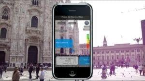 iphone in der stadt mit erweiterter realitaet