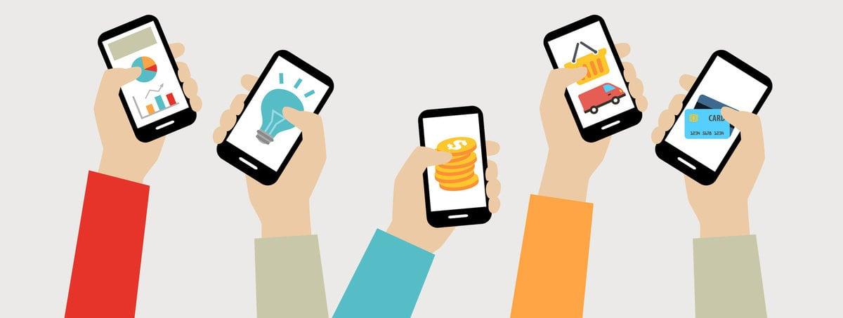 fuenf haende halten schwarze smartphones