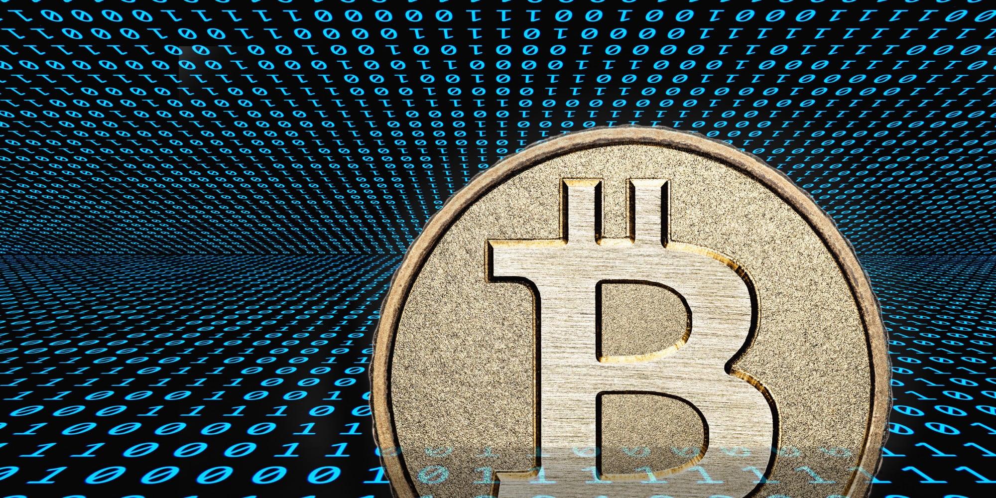 grosse bitcoin muenze mit vielen zahlen