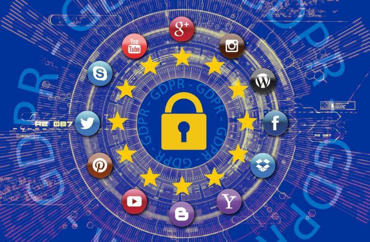 Schloss in der mitte mit symbolen von social media aussenrum