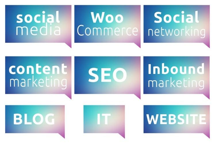 Neun verschiedene Marketing Taktiken in Sprechblasen
