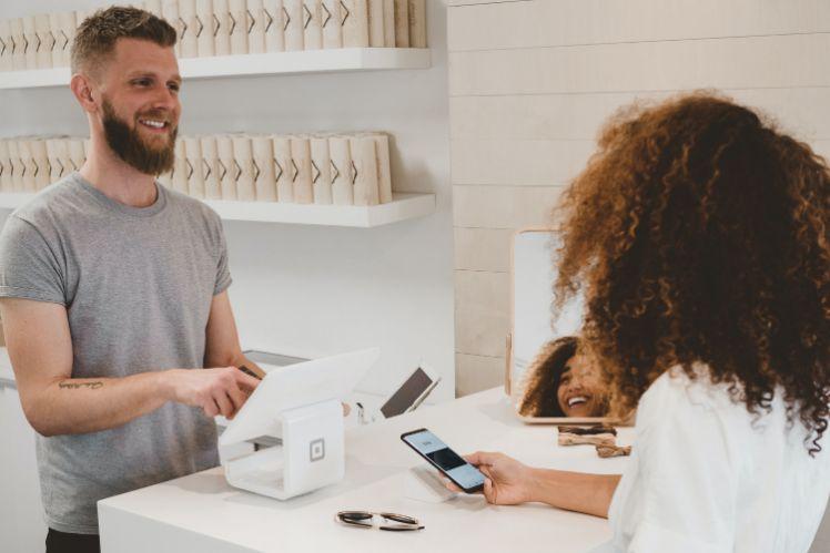 Konventionelle Geschäfte mit Kundenbindungsprogrammen