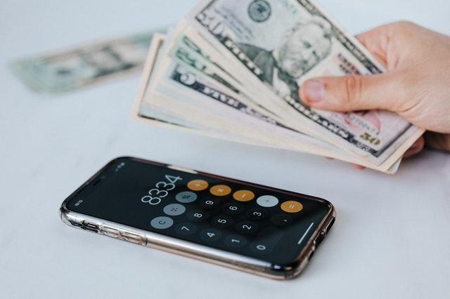 Wie verdient man Geld mit einer App
